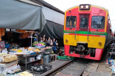 バンコク出張 ほとんど観光 ②メークロン市場、アンパワー水上マーケット、サイアム パラゴン