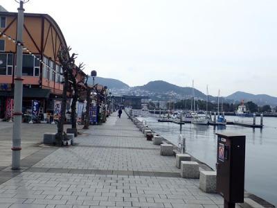 九州縦断旅(32)長崎出島ワーフで海を見ながらランチ