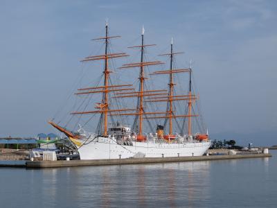 フリーきっぷで行く北陸周遊旅行[4] 帆船「海王丸」上から見るか横から見るか