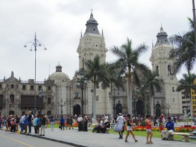 南米三大絶景ツアー2日目: リマ旧市街とミラフローレス観光
