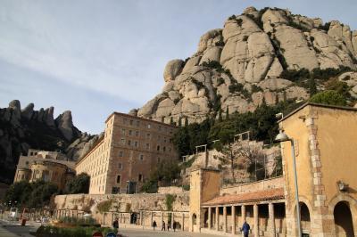 モンセラット修道院の大聖堂でラ・モレネータ(黒いマリア)と初逢瀬