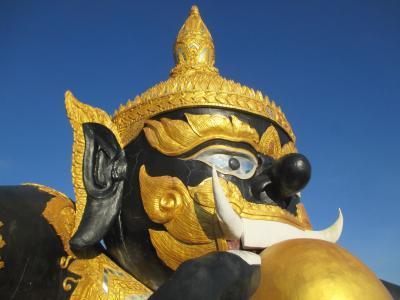 タイ・ミャンマーの旅(1)            夜行バスでチェンマイへ行く。