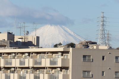 戸塚税務署南側の団地から見える富士山