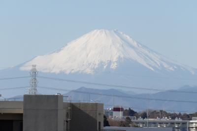 JR東戸塚駅東側の旧東海道から見える富士山