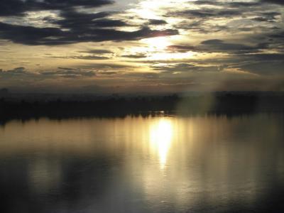 タイ/ナコンパノムからラオス/タケーク~霧に包まれる幻想的メコン川の美しさに引かれて