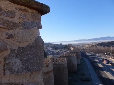 アビラ二日目。午前中の城壁を散歩する。
