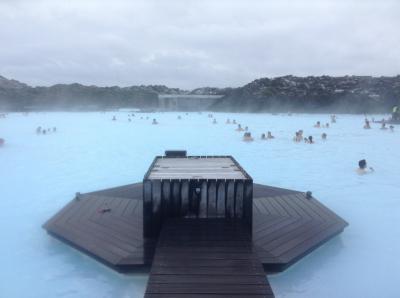 アイスランドの定番、ブルーラグーン、ゴールデンサークルを堪能しました。オーロラは、、、。