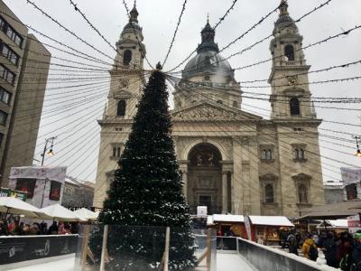 クリスマスマーケットとペストサイド。