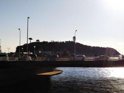 歩いて江ノ島へ行きました