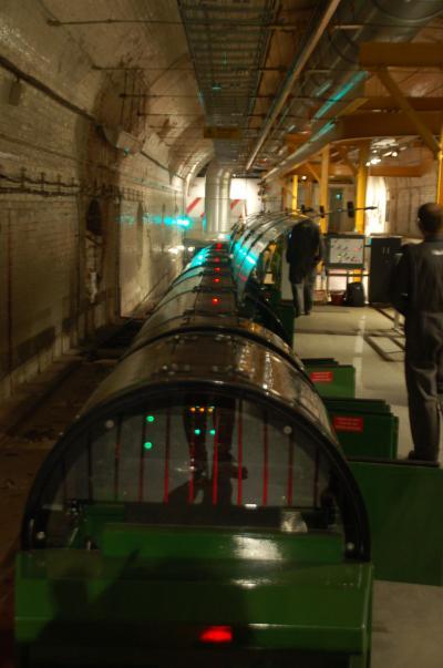 ロンドンにあるPostal MuseumでMail Railに乗車する