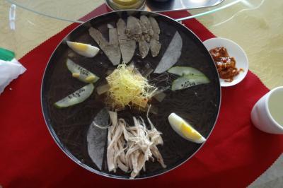 冷麺食べ比べ(平壌冷麺)