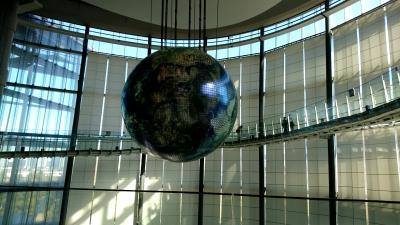 お台場にある「日本未来科学館」へ行ってきました。