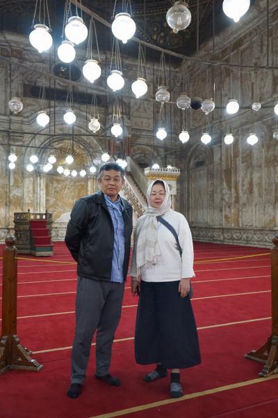 Wonder one dollar! HISエジプト8日間の旅(17)シタデルのムハンマド・アリ・モスクでラッパーお兄さんのアカペラのアザーンに感動する。