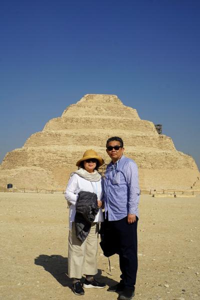 Wonder one dollar! HISエジプト8日間の旅(19)ダハシュールとサッカラでピラミッドに遊び、メンフィス博物館で再びラムセス2世と対峙する。