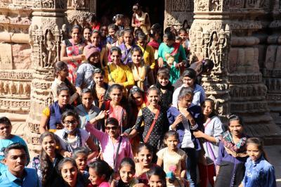 西インド グジャラートの旅(8)~パタン1 アダーラジ階段井戸、モデラー・スーリヤ寺院~