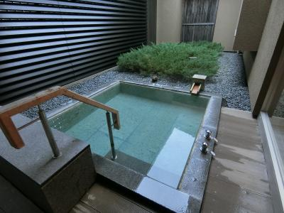 箱根翡翠のスイートルーム宿泊と美味しい体験