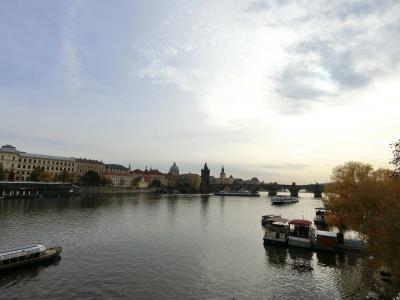 黄金の街プラハPart 2 おとぎの国の街歩き♪ プラハ城からアンティークショップ&民族舞踊ショー