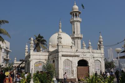 西インド グジャラートの旅(14)~ムンバイ ハジ・アリ廟、マハーラクシュミー寺院、フォート地区~