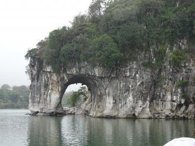 小川のトイレしか覚えてない30数年ぶりの桂林、どんなになっているでしょうか?②