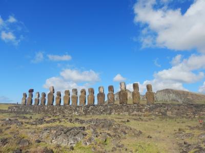チリ・イースター島5泊9日③イースター島(アフ・アカハンガ、アフ・トンガリキ、テ・ピト・クラ)