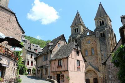 南仏の美しい村とラヴェンダー畑を巡る旅(4)『フランスの最も美しい村』コンクは巡礼の村☆Conques