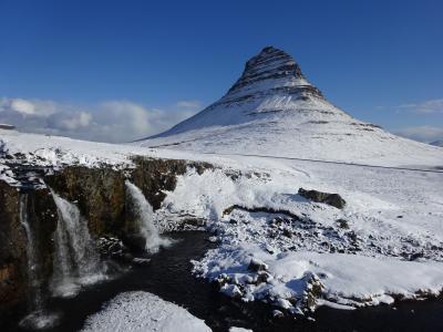 最北の大自然、氷と地熱の島をロングドライビング!:アイスランド旅行【3】(2018年GW 2日目② キルキュフェトルの山容)