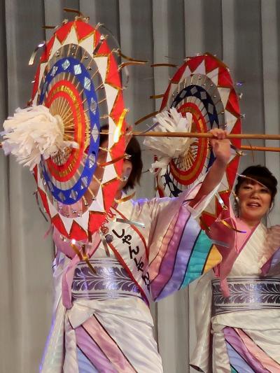 ふるさと祭り東京-3 鳥取しゃんしゃん祭a 傘踊りの優美さ ☆因幡の傘踊りを元に大衆化