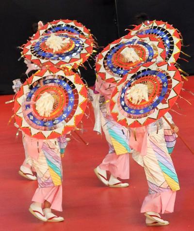 ふるさと祭り東京-4 鳥取しゃんしゃん祭b 傘群舞の見事さ ☆鈴の音-しゃんしゃんと