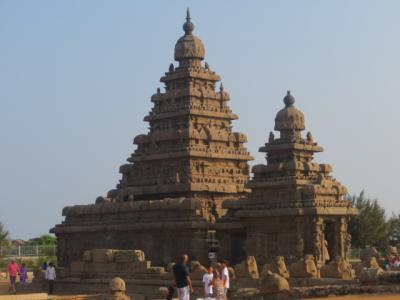 インド 「行った所・見た所」 マハーバリプラムの「ラディソンブルテンプルベイリゾート」で食事をして「海岸寺院」へ