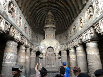 アウランガーバードからアジャンタ石窟寺院群