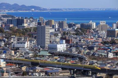 小田原市街と新幹線と箱根登山線と東海道線を俯瞰できる場所へ。