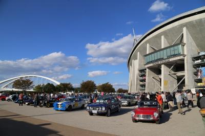 旧車好きが集まる一日、豊田スタジアム