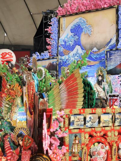 ふるさと祭り東京10 八戸三社大祭b 葛飾北斎の絵:掲げ ☆上横に拡張し蒸気仕掛けも