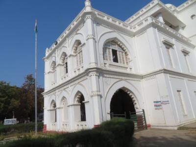 インド 「行った所・見た所」 マドゥライ(マドゥライ空港からガーンディー記念博物館へ)