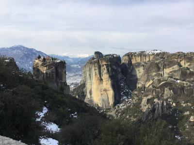 HOLLY MONASTEY OF THE GREAT METEORA 崖の上の修道院
