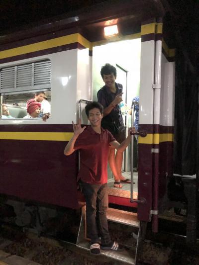 初タイ 2日目(2) ウドーンターニー~ナコンラーチャシーマー~バンコク行き142列車