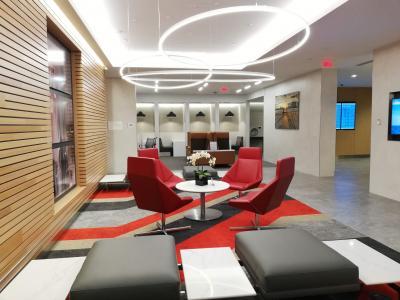 ボストンローガン国際空港 Boston Logan Admirals Club ラウンジ訪問記 BOS AA Admirals Club