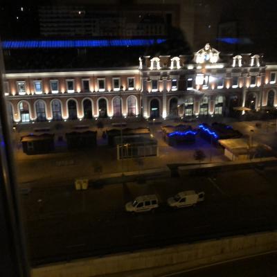 ホテルから見える駅が綺麗