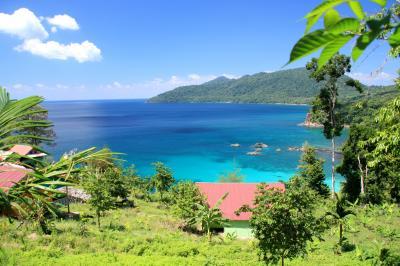 インドネシアの果てへの旅 後編 ウェー島から更に小さな離島でシュノーケル