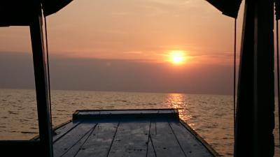 トンレサップ湖の夕日は何度見てもゆったりしていて良いですね。