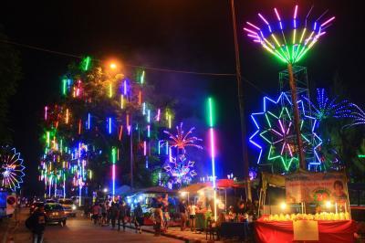 香港ミャンマー陸路旅B16■タイへ陸路越境と光の祭典