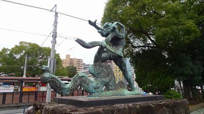 ハウステンボスと長崎ランタンの3日間(14) 諏訪神社~市民会館まで歩き、後は市電で集合場所へ。
