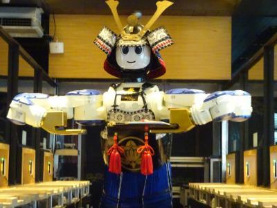 バンコク旅行「ロボットレストラン(春Hajime)」でしゃぶしゃぶ