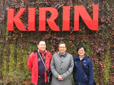 高校の同級生とキリンビール横浜工場見学の後、町の中華屋さんで痛飲!