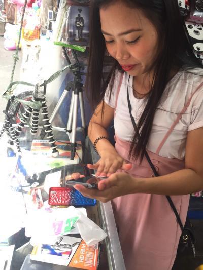 ディビソリア・マーケットで ~   携帯電話を リニューアル   .....  2019