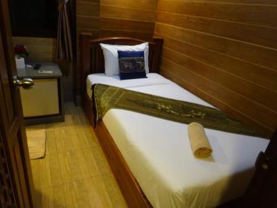 バンコク旅行「カオサンロードのホテルTanee placeに宿泊」