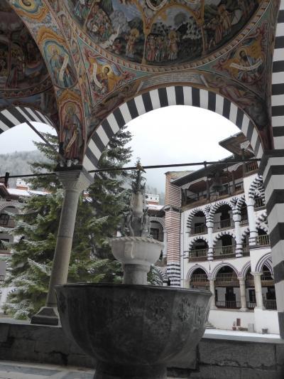 雪深き山あいに佇むリラの僧院(親子旅第12弾ルーマニア・ブルガリア 12ソフィア→リラ)