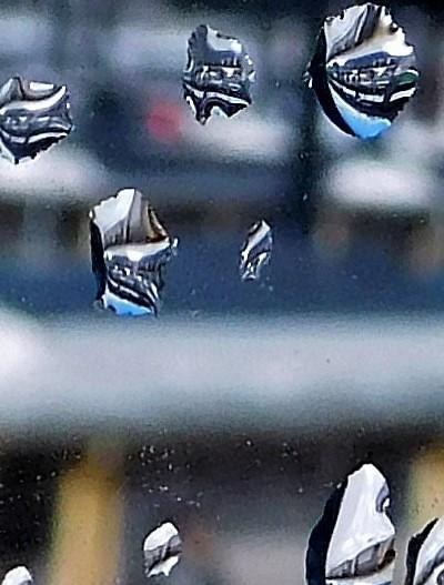 漁火(いさりび)の町、雪片が舞う頃に 1