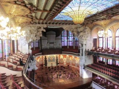 バルセロナ(Barcelona) 2017年2回目(3日目、カタルーニャ音楽堂、シウタデリャ公園、バルセロナ凱旋門、サンタ・マリア・ダル・マル教会、ポケリア市場、カサパドリョ)