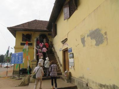 インド 「行った所・見た所」 コーチの聖フランシス教会とマッタンチェリー宮殿を見ました